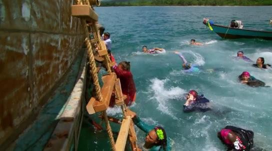 Survivor 31 E1 swim